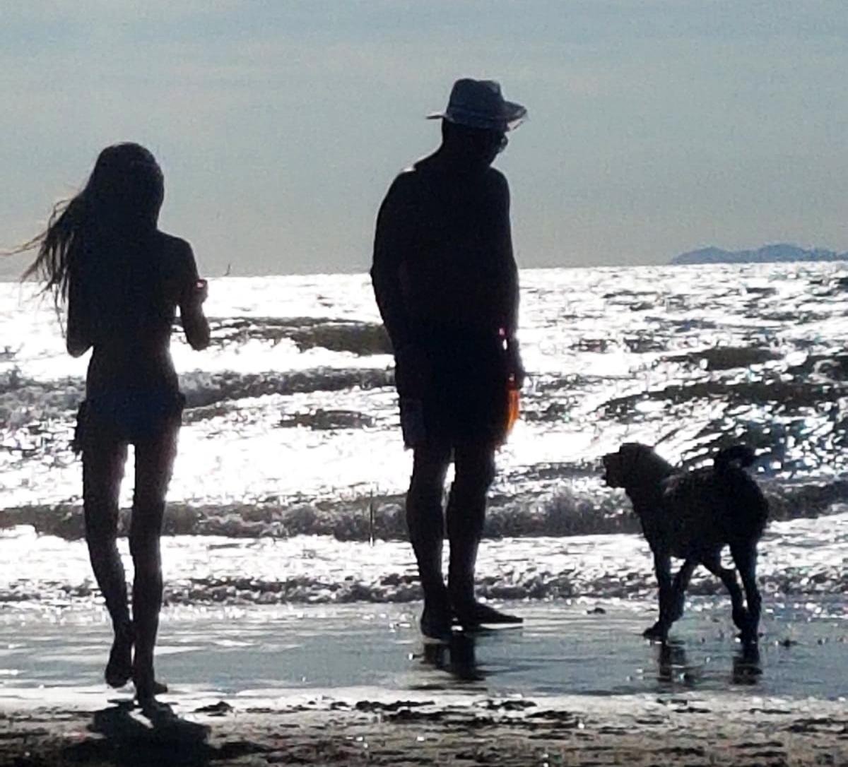 Familie Lammer mit Maggie am Strand