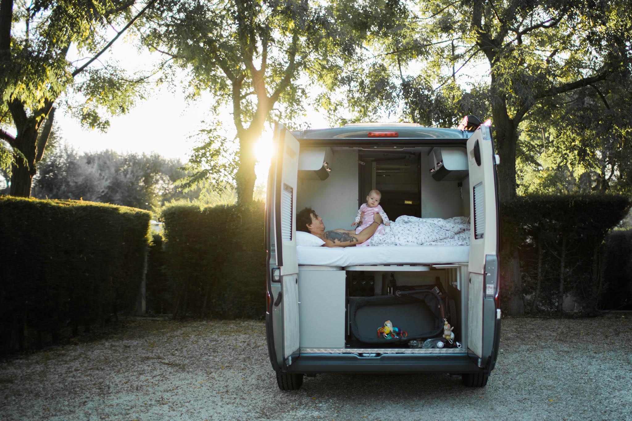 Baby an Bord, Campingbus