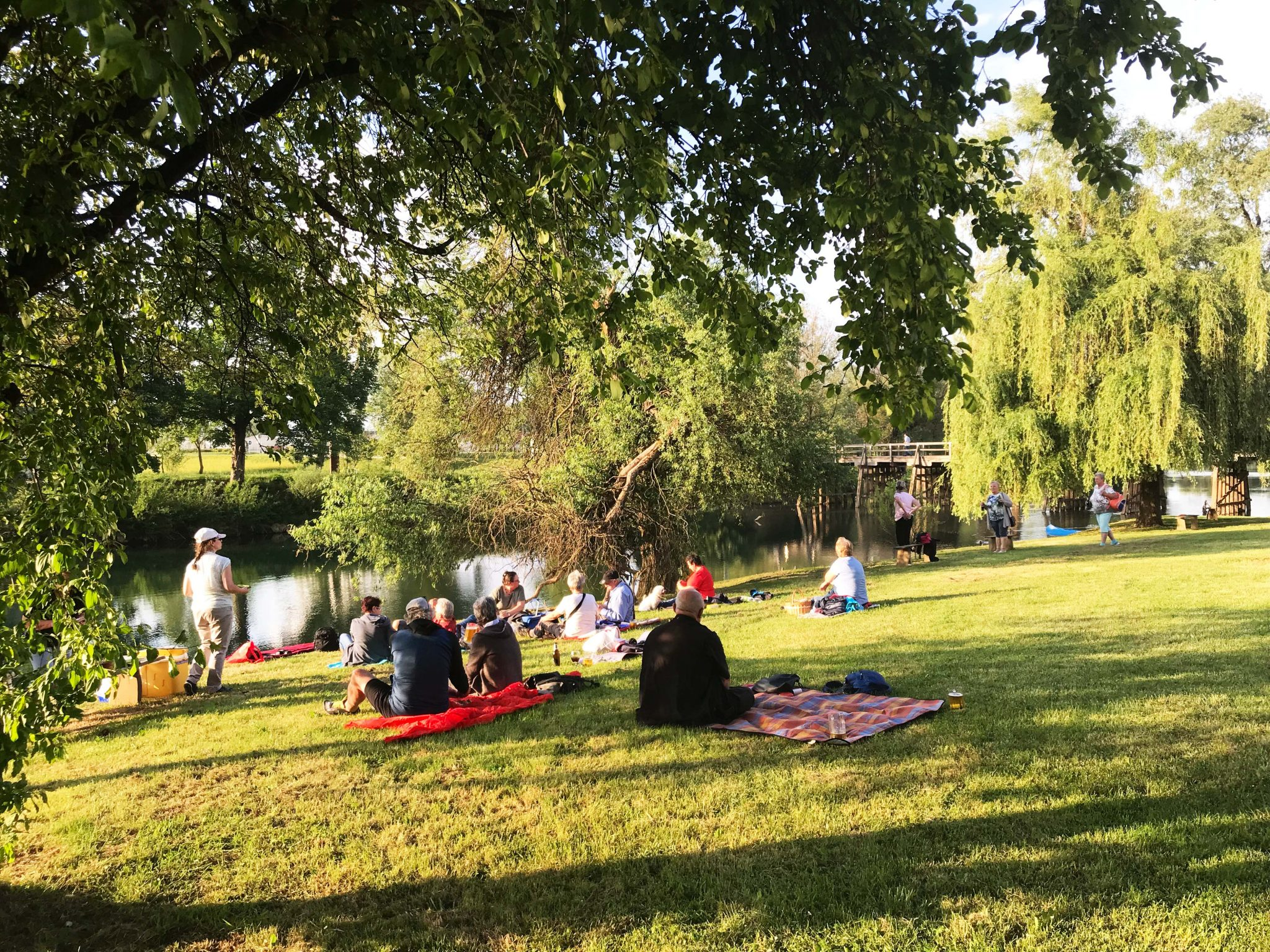 Picknick am Fluss