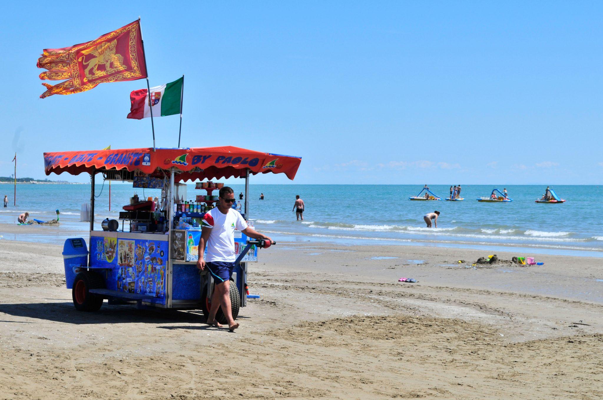 Eiswagen in Italien am Strand.