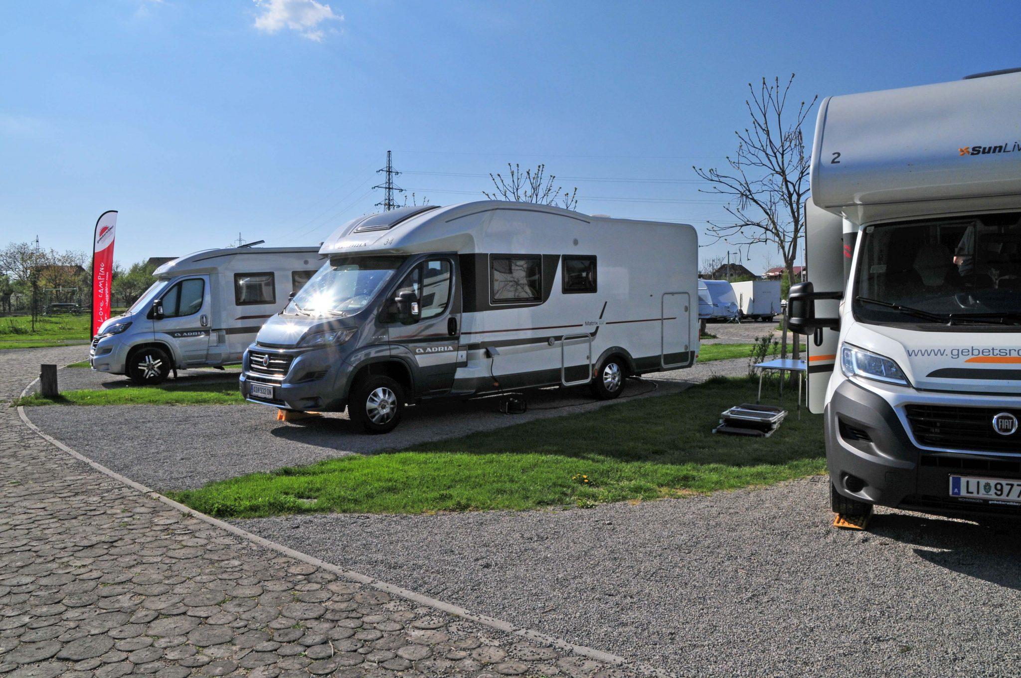 Wohnmobile aufgestellt auf Camping Zagreb