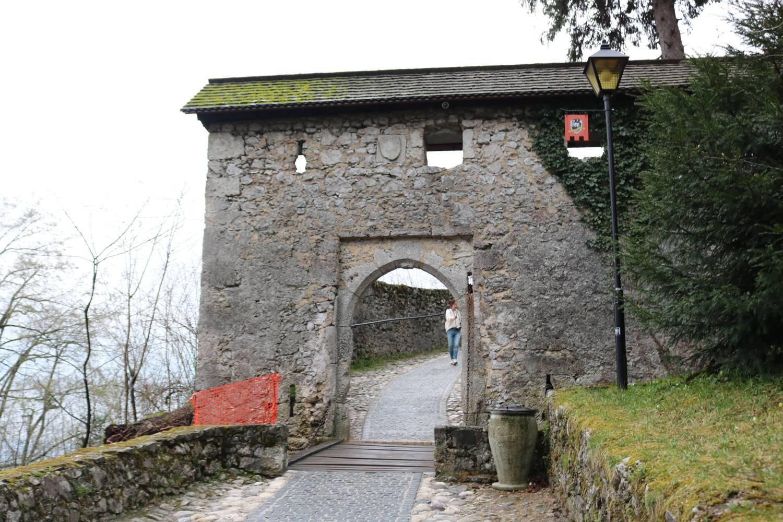 Zugang zur Burg von Bled.