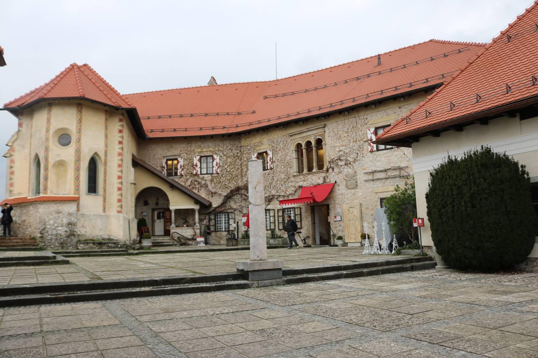 Museum und Kapelle in der Burg von Bled.