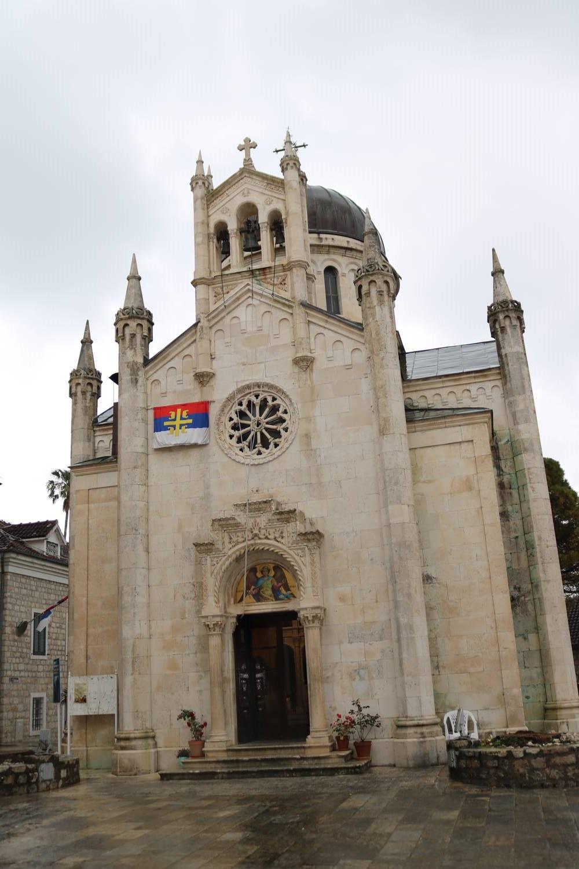 Orthodoxe Kirche am Hauptplatz der Altstadt.