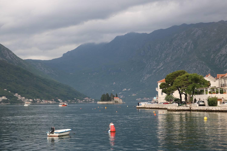 Perast an der Westküste der Bucht von Kotor.