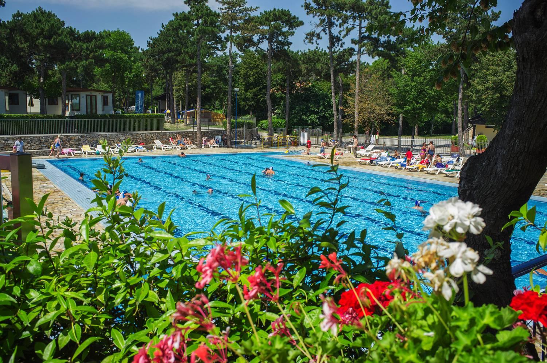 Hier können auch Schwimmer ihre Bahnen ziehen.
