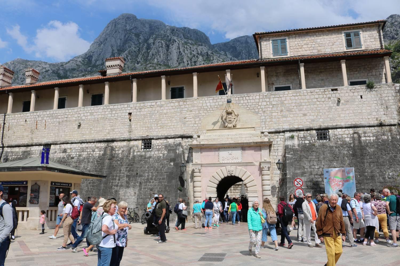 Der Haupteingang nach Kotor.