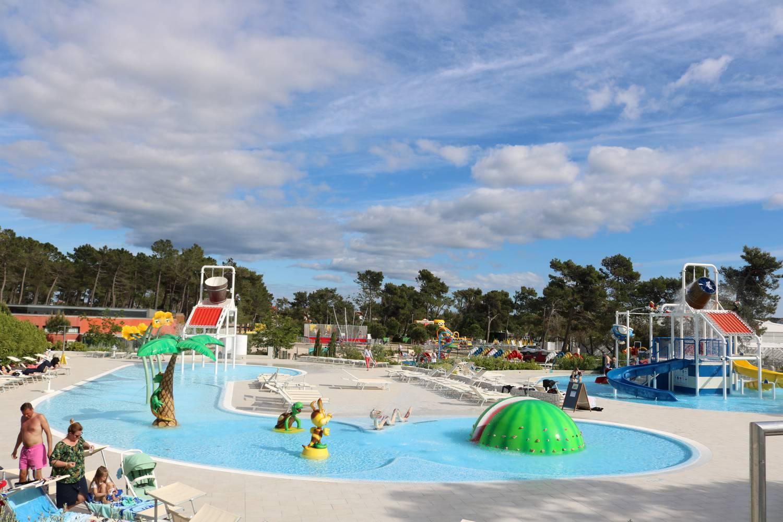 Das riesige Pool-Gelände im Zaton Holiday Resort