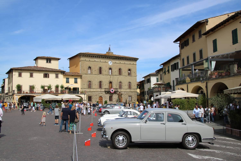 Der schöne, zentrale Platz von Greve im Chianti.