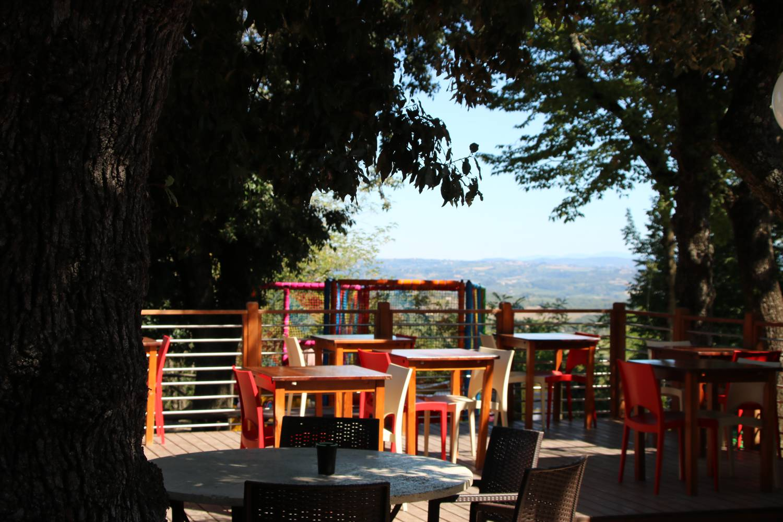 Sehr beliebt ist das Restaurant vom Camping Boschetto di Piemma.
