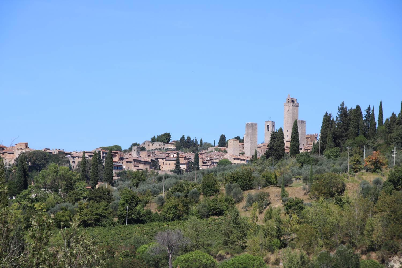 Der Campingplatz ist nur rund zwei Kilometer von San Gimignano entfernt.