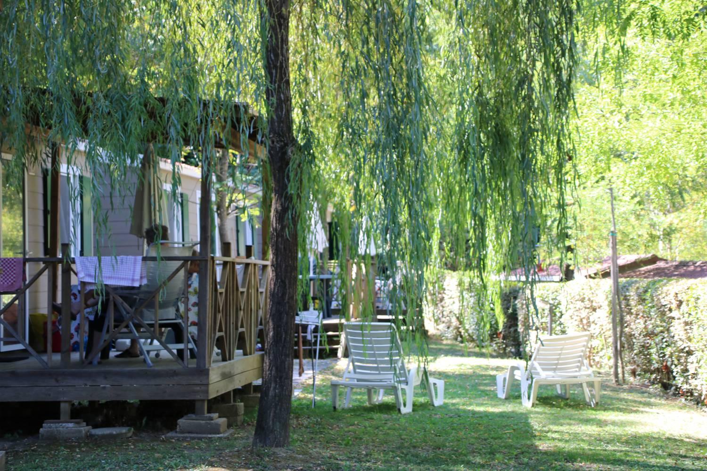 Grüne Oase im Camping Boschetto di Piemma.